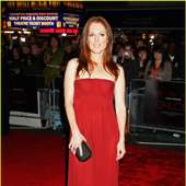 Julianne Moore Takes Chloe To London | Julianne Moore Chloe London 12