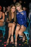 Taylor Swift et Selena Gomez lors des Billboard Music Awards � Las