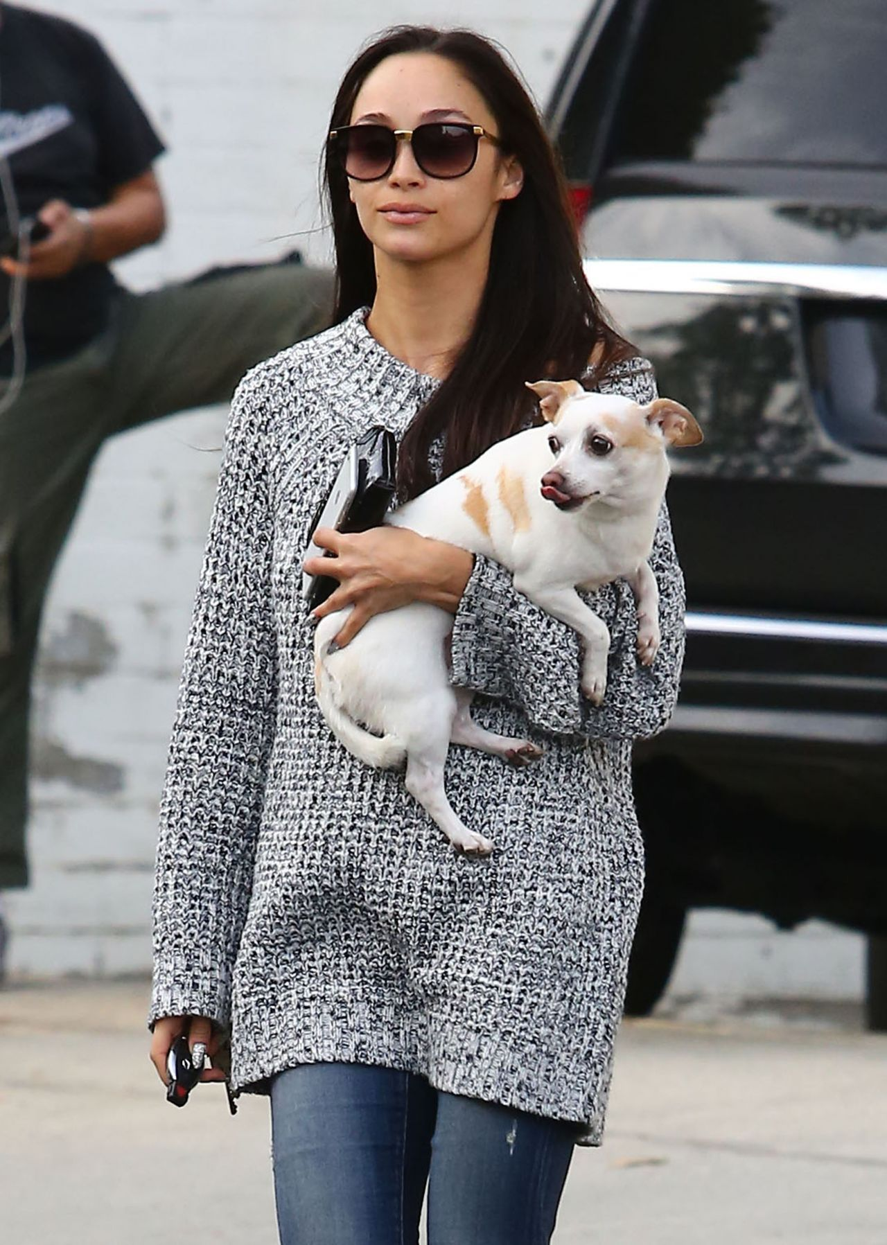 Cara Santana U2013 Heads To A Pet Store In Los Angeles