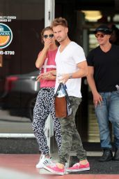 Nina Agdal Casual Style U2013 Out In Miami