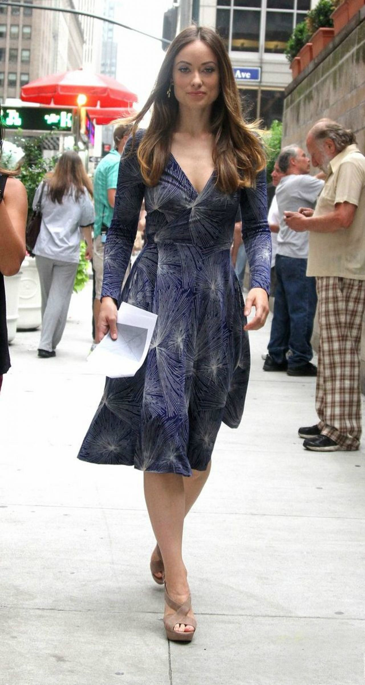 Olivia Wilde On The Sset Of An Untitled Hbo Series In New York 07 02 2015