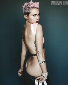 Miley Cyrus Naked Booty Out - Miley Cyrus - Zimbio
