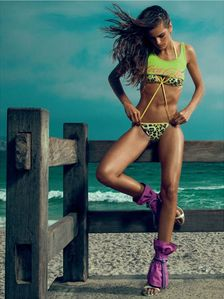 in Rio - Izabel Goulart Elle Brazil - Chicquero Fashion - Neon sexy