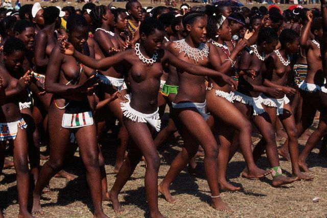 Angolan Nude Female Dancers