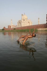 Two Kids Doing Somersault in Yamuna River Behind Taj, India | Flickr