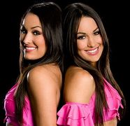 the Bella Twinswwe | Flickr  Photo Sharing!