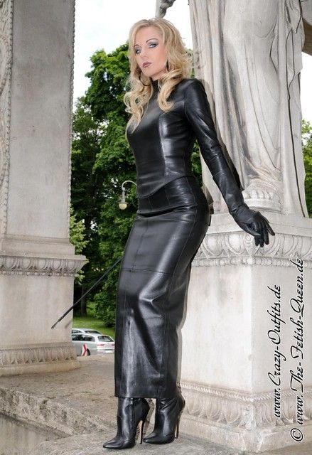 Leather Fetish Queen