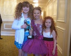 Awards-Piper interviewing Caitlin Carmichael and Francesca Capaldi