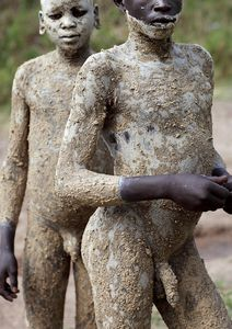ethiopian tribes suri ethiopia tribes surma suri people boys seen on