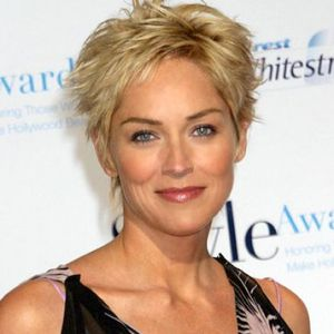 Short hairstyles for women in their 50s pictures 2