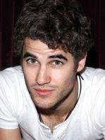 Fina Darren är just nu aktuell som Kurts supergoa love interest