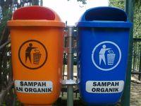 Sampah organik dapat kita buang di kebun setelah sebelumnya kita cacah