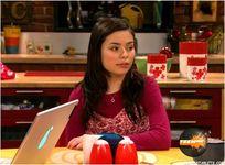 HONORARY SOCIAL DARWIKIANS (born 1993): Miranda Cosgrove ( Drake