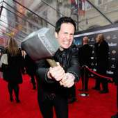 Comedian Hal Sparks From Lab Rats On The Avengers Red Carpet | Apps 44