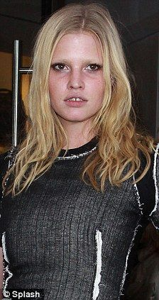 Lara Stone Says She Was Fired From A Modeling Gig After Revealing Her Pregnancy