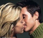 Locking lips: What we call a French kiss is called 'roulant une pelle