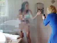 Joan Rivers barges into daughters shower, takes naked pics of her for
