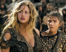 Planet of the Apes star Estella Warren 'kicked an officer and escaped