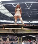 Summertime Ball 2011: Nicole Scherzinger and Jennifer Lopez battle
