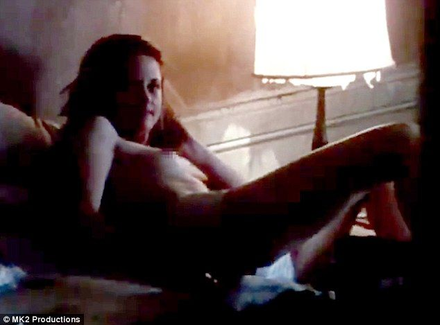 All Kristen Stewart Nude Scenes From On The Road