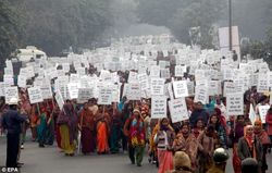 Thousands of Indian women and men participate in peace march with