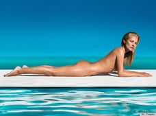 Kate Moss' Nude St  Tropez Ads Showcase The Perfect Tan (PHOTOS, VIDEO