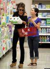 Sarah Palin Reads 'National Enquirer' At Kmart (