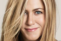 Jennifer Aniston's Wig Looked Like 'Pubic Hair' (PHOTOS)