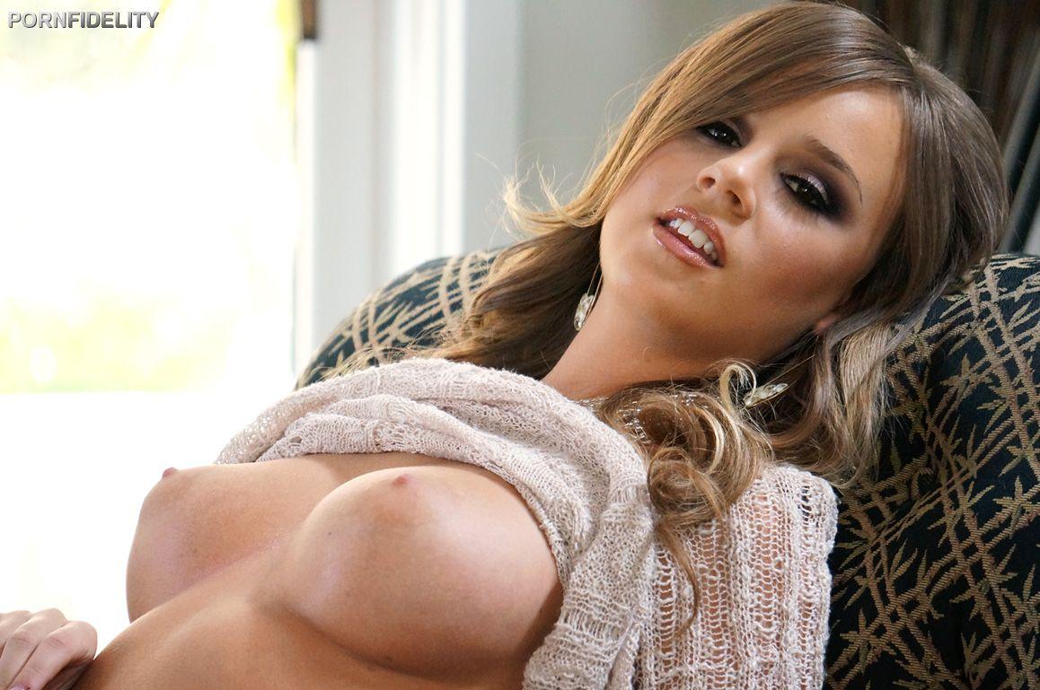 Pornfidelity Perky Alexis Adams Siterip