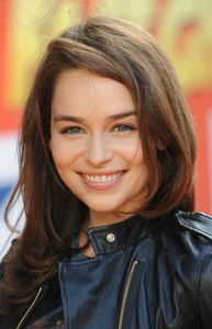 Emilia Clarke | Sexy celebrities, hot stars, movie posters