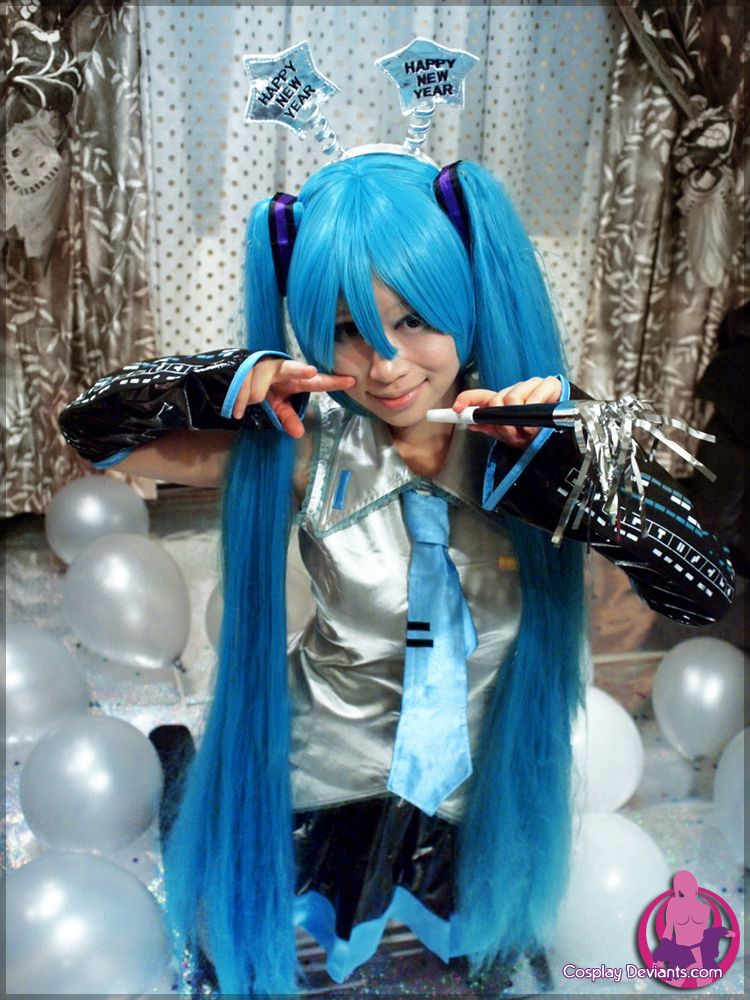 [Cosplay XXX] [Vocaloid] New Years (CosplayDeviants) Full Set