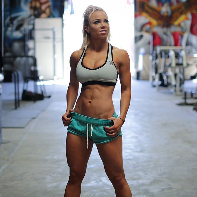 [Fit Babes] I just can't get enough of Lauren Drain