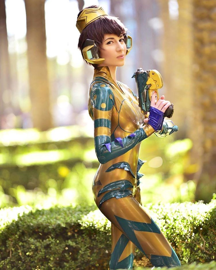 [Sexy Cosplay] D.Va Junebug cosplay (x-post from /r/latexcosplay)