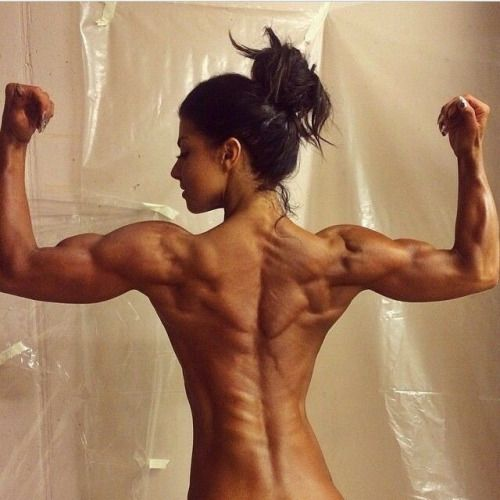 [Fit Babes] How about this insane back and arm definition? Dayum!