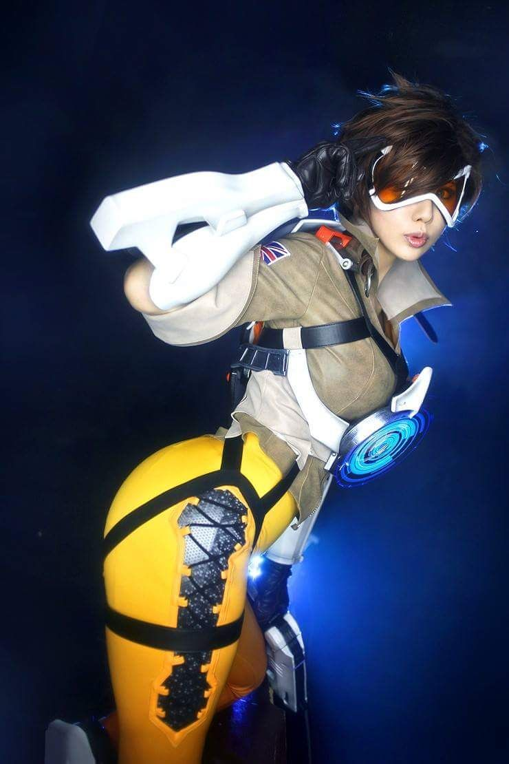[Sexy Cosplay] Tracer (Overwatch) by Tasha