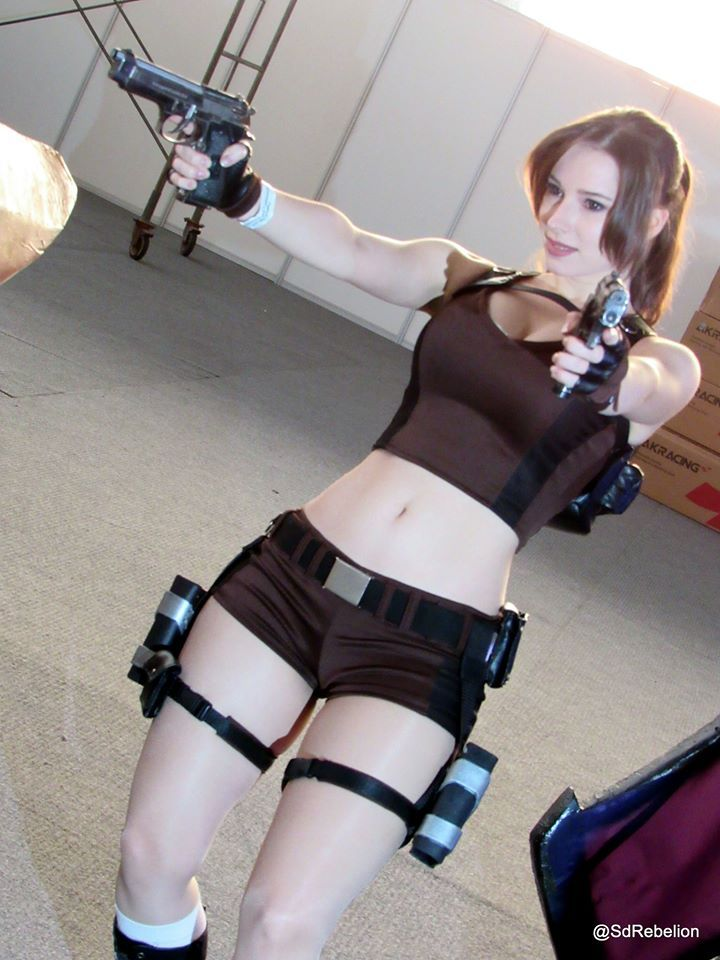 [Sexy Cosplay] Enji Night as Lara Croft