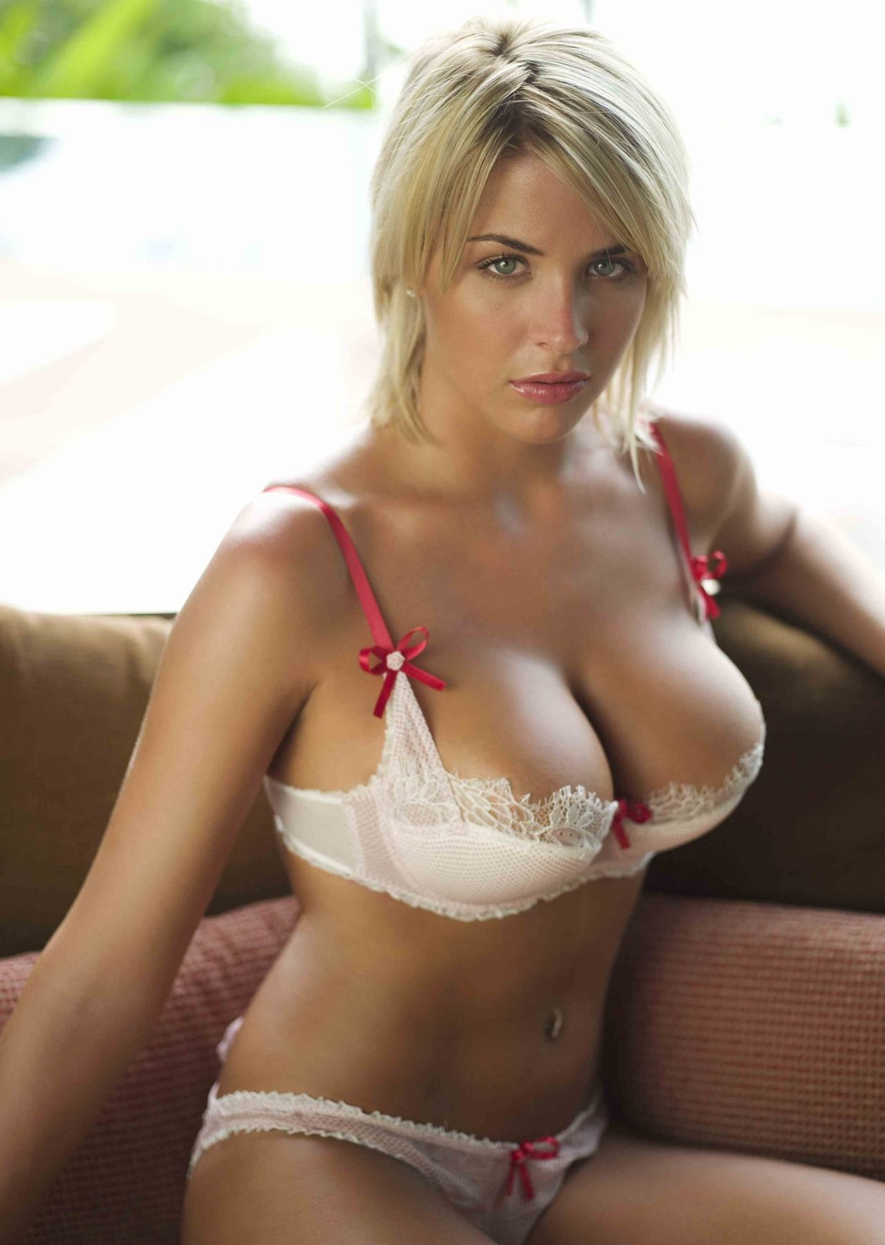 [Busty Amateurs] Gemma Atkinson