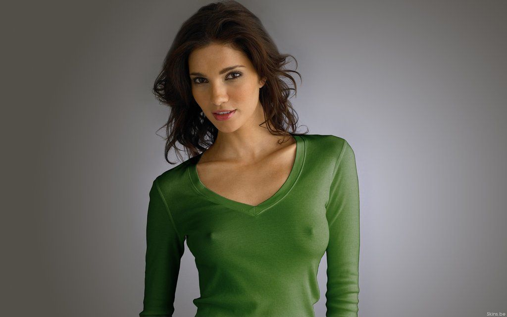 [Amateur MILF] Green sweater