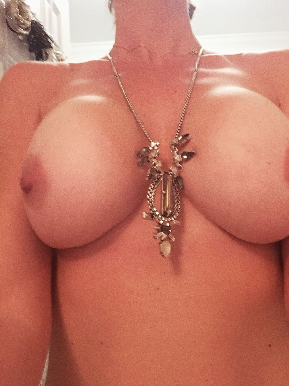 [Wife Porn Pics] Wi(f)e sent me some pics while she gets ready to go out with girlfriends…39yo