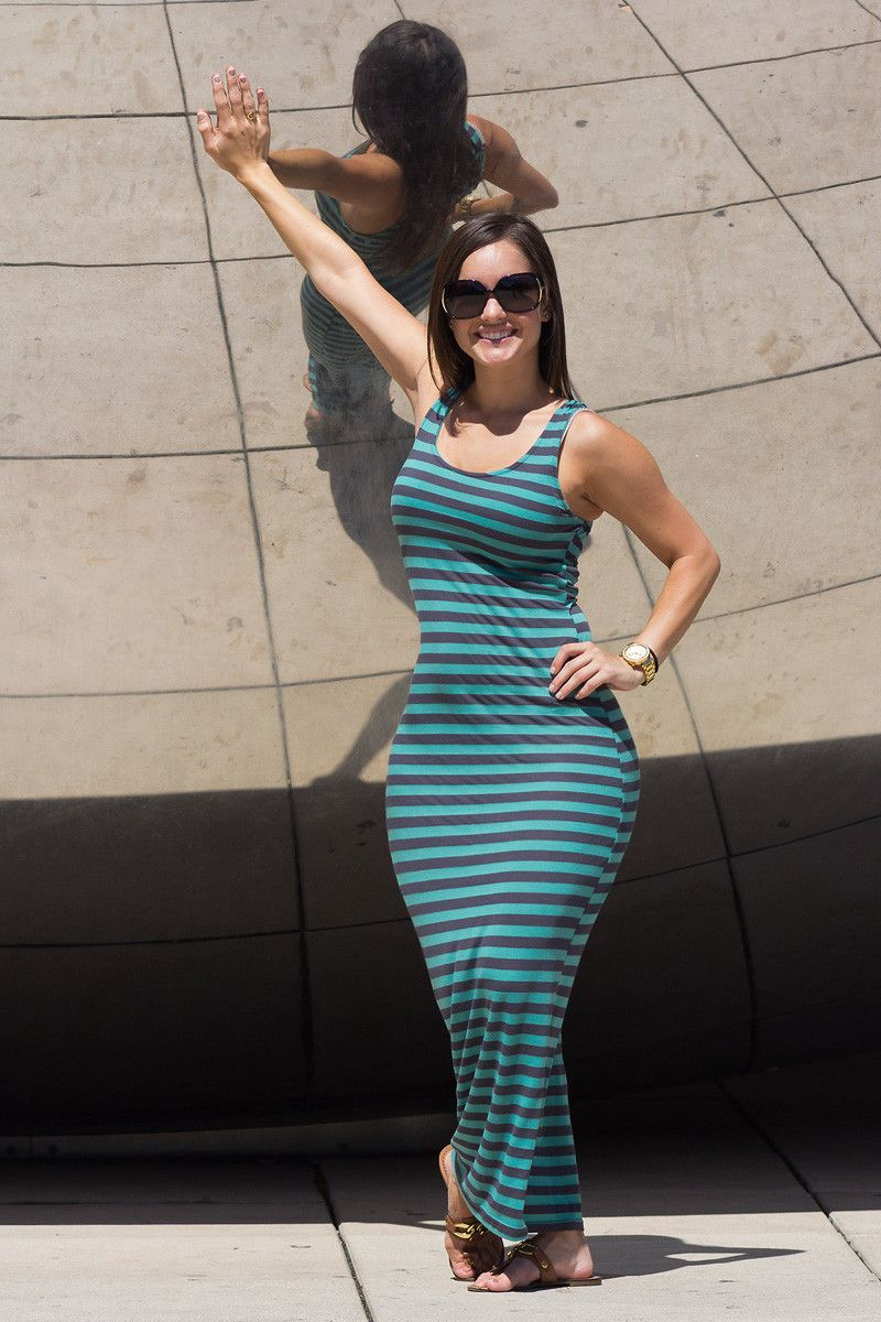 [Curvy Amateurs] By the Cloud Gate