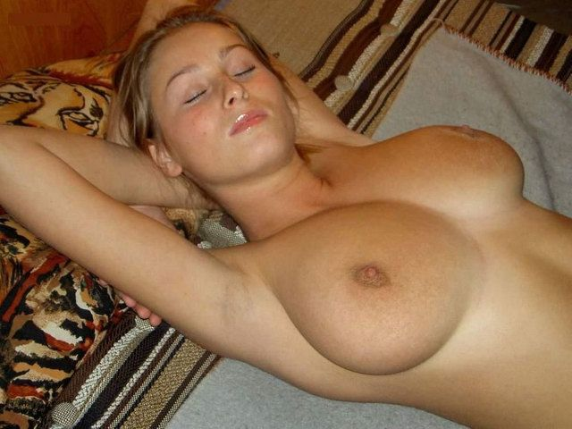 [Busty Amateurs] Ready and waiting