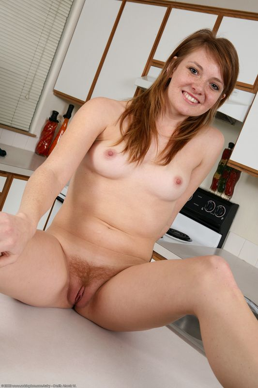 [Redhead Amateurs] Redhead on the counter