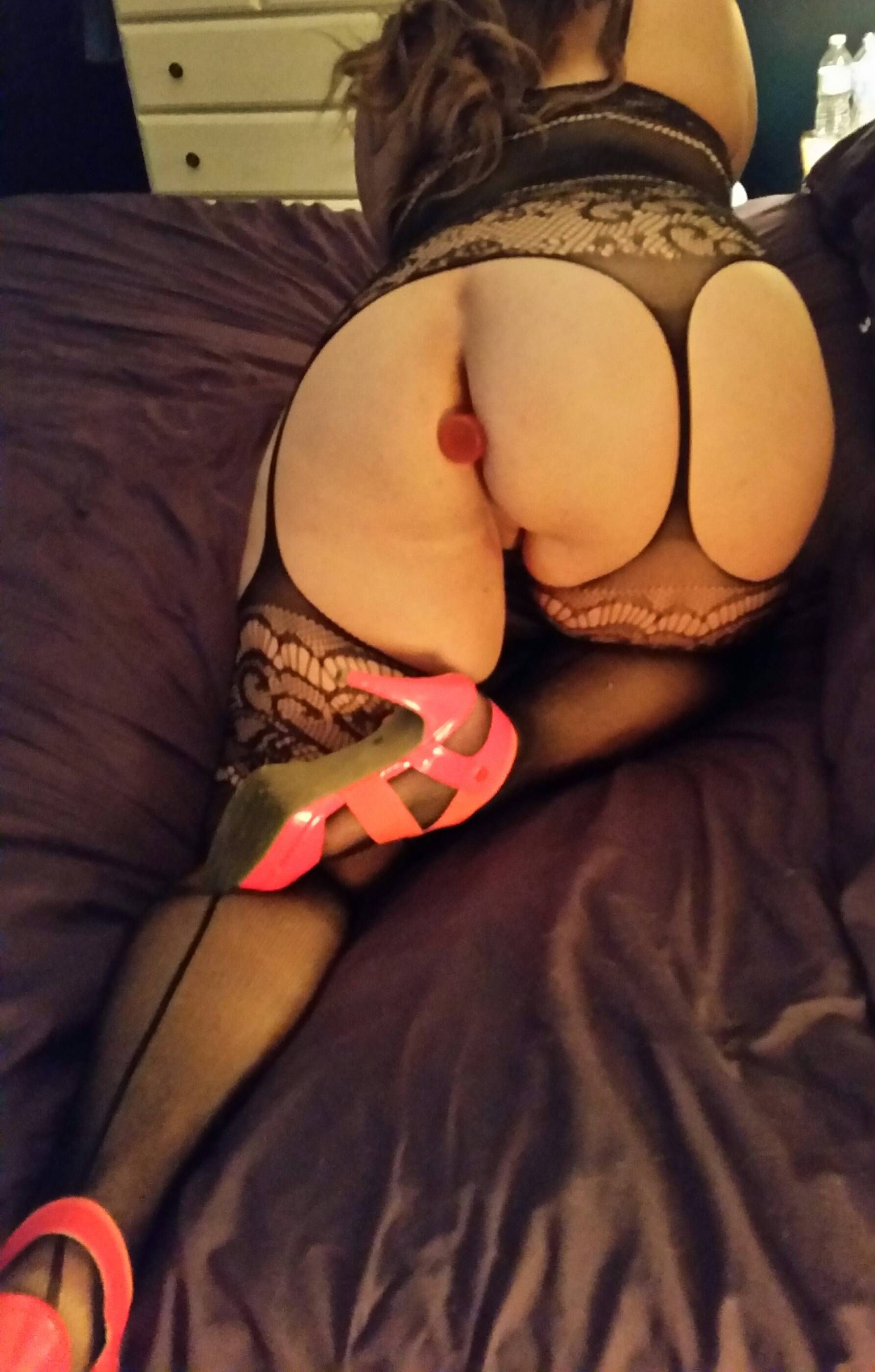 [Wife Porn Pic] A little ass play