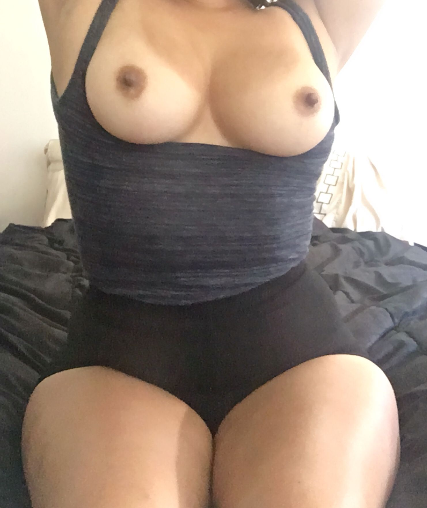 [Curvy Amateurs] Do you like this pose?