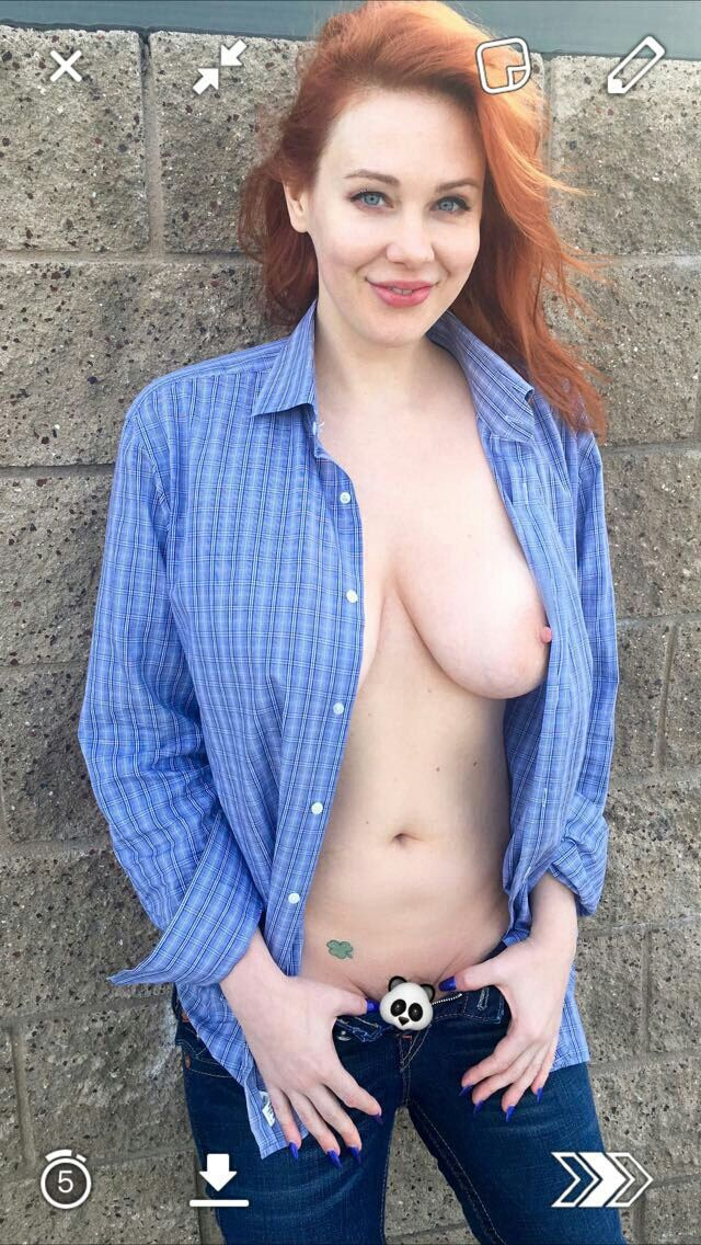 [Celeb Porn] Maitland Ward needs to lose the panda emoji!