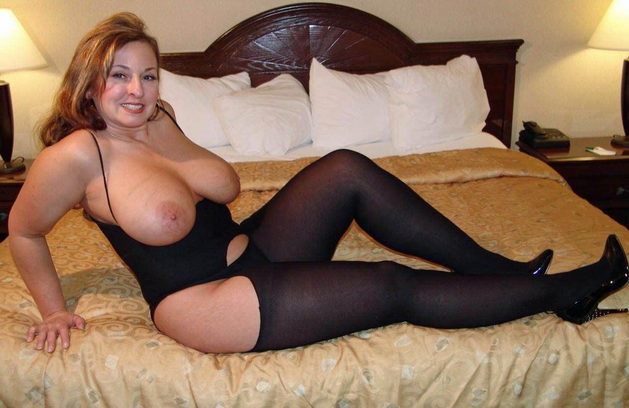 [Curvy Amateurs] The Milf
