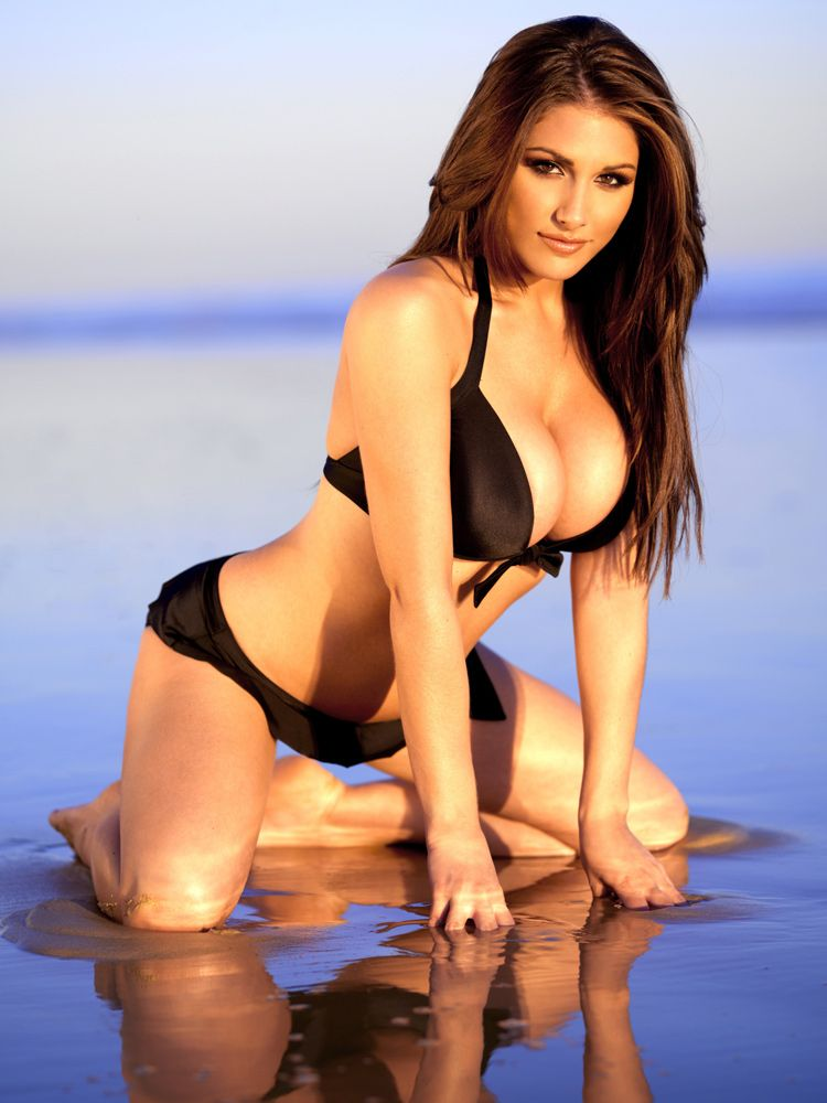 Lucy Pinder at the beach