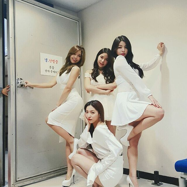 Eunji, Ailee, Luna and Solar in white