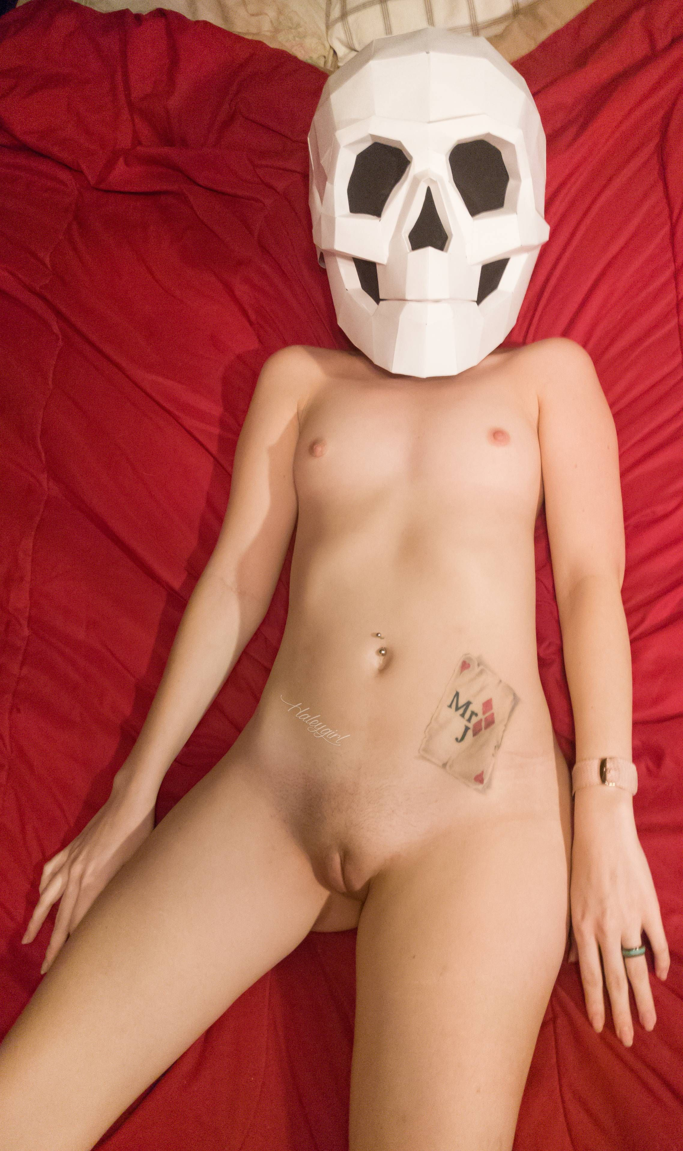 [Petite Amateurs] Anybody wanna skull fuck?