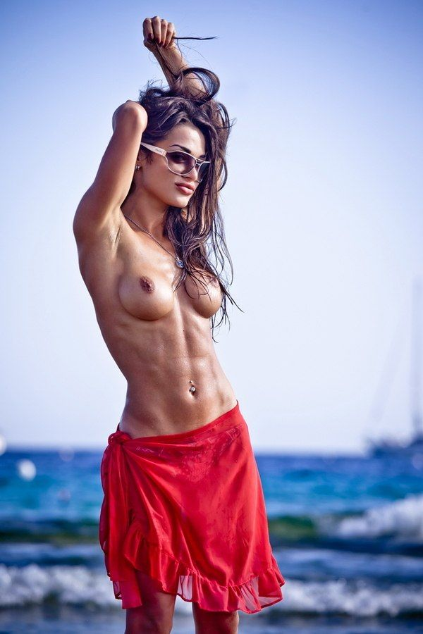 [Athletic Babes] Beach Stunner